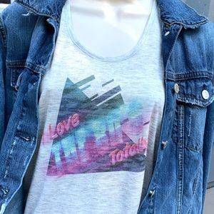 I love the 80s totally graphic retro tank top tee